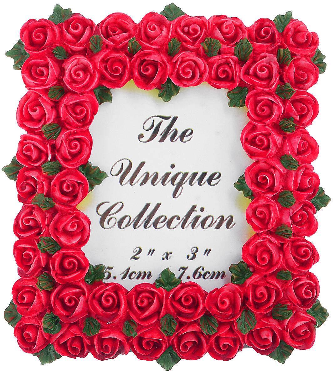 Декоративная фоторамка Home Queen Букет роз, цвет: ярко-розовый, 5,1 см х 7,6 см64058_ярко-розовыйДекоративная фоторамка Home Queen Букет роз поможет вам оригинально дополнить интерьер помещения. Фоторамка декорирована изображением роз. Задняя сторона оснащена ножкой для размещения на столе. Такая рамка позволит сохранить на память изображения дорогих вам людей и интересных событий вашей жизни, а также станет приятным подарком для каждого. Размер фотографии: 5,1 см х 7,6 см. Размер фоторамки: 8 см х 8,5 см.
