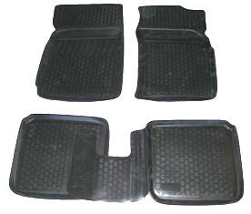 Коврики в салон автомобиля L.Locker, для Vortex Corda (10-), 4 шт0219010101Коврики L.Locker производятся индивидуально для каждой модели автомобиля из современного и экологически чистого материала. Изделия точно повторяют геометрию пола автомобиля, имеют высокий борт, обладают повышенной износоустойчивостью, антискользящими свойствами, лишены резкого запаха и сохраняют свои потребительские свойства в широком диапазоне температур (от -50°С до +80°С). Рисунок ковриков специально спроектирован для уменьшения скольжения ног водителя и имеет достаточную глубину, препятствующую свободному перемещению жидкости и грязи на поверхности. Одновременно с этим рисунок не создает дискомфорта при вождении автомобиля. Водительский ковер с предустановленными креплениями фиксируется на штатные места в полу салона автомобиля. Новая технология системы креплений герметична, не дает влаге и грязи проникать внутрь через крепеж на обшивку пола.