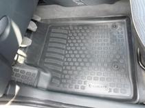 Коврики в салон Peugeot Partner origin (02-) передние полиуретанSC-FD421005Коврики производятся индивидуально для каждой модели автомобиля из современного и экологически чистого материала, точно повторяют геометрию пола автомобиля, имеют высокий борт от 3 см до 4 см., обладают повышенной износоустойчивостью, антискользящими свойствами, лишены резкого запаха, сохраняют свои потребительские свойства в широком диапазоне температур (-50 +80 С)