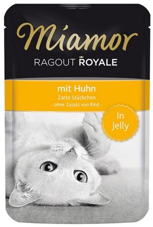 Консервы для кошек Миамор Королевское Рагу курица в желе, 100 г74051Миамор королевское рагу - это нежные кусочки, приготовленные в изысканном желе. Производятся по особой щадящей технологии для сохранения витаминов с высокой долей мяса домашних животных. Миамор - это полноценный повседневный корм для кошек и котов, который очень легко усваивается. Не содержит сои, красителей и ароматизаторов, за то содержит множество полезных веществ, например магний, который необходим для здоровья кошек. Условия хранения: комнатная температура в закрытом виде, после вскрытия до 2 дней в холодильнике. Особенности: Натуральные компоненты; Без сои, красителей, ароматизаторов, костной муки; Без консервантов Состав: Курица;Птица;Витамины