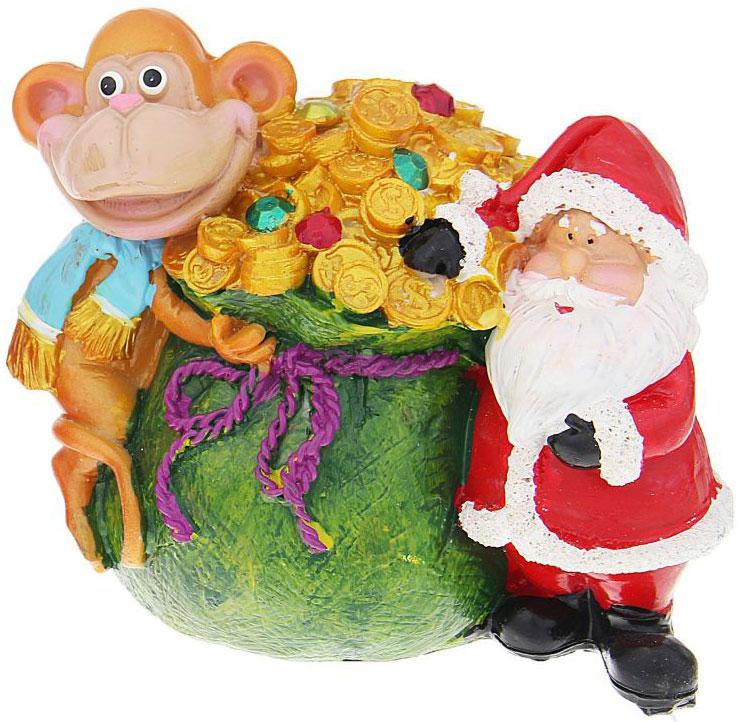Копилка декоративная Sima-land Мартышка и Дед Мороз с мешком денег, цвет: зеленый, красный, оранжевый1057379_зеленыйДекоративная копилка, изготовленная из высококачественного полистоуна, выполнена в виде забавной обезьяны и Деда Мороза с большим мешком денег. Изделие оснащено отверстием для монет и резиновым клапаном, через который можно достать деньги. Яркий оригинальный дизайн сделает такую копилку прекрасным подарком. Она послужит не только по своему прямому назначению, но и красиво дополнит интерьер комнаты.