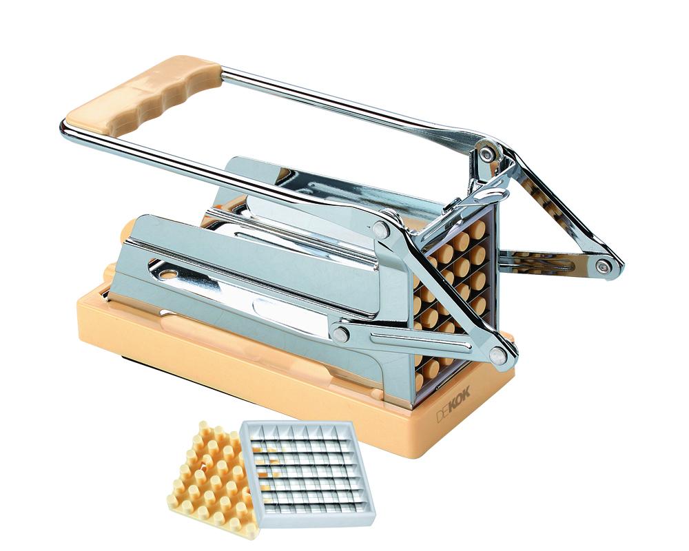 Устройство для резки картофеля фри DekokUKA-1312Устройство для резки без особых хлопот позволяет нарезать необходимое количество картофеля фри и овощей в считанные секунды! Величина нарезки регулируется с помощью сменных насадок-решеток на 25 и 36 ячеек. Вакуумная присоска надежно крепит устройство к гладкой и ровной поверхности. Кухонные устройства Dekok отличают: инновационность - новый взгляд на привычные приспособления, возможность их настроек и регулировок; многофункциональность - во многих изделиях идеально воплощен принцип все в одном; индивидуальный подход - различные варианты комплектаций и размеров кухонных устройств позволят подобрать инструмент с учетом индивидуальных потребностей. Dekok - готовьте с любовью! Размер устройства: 19 x 11 x 8,5 см. Размер насадок: 7 x 7 см.