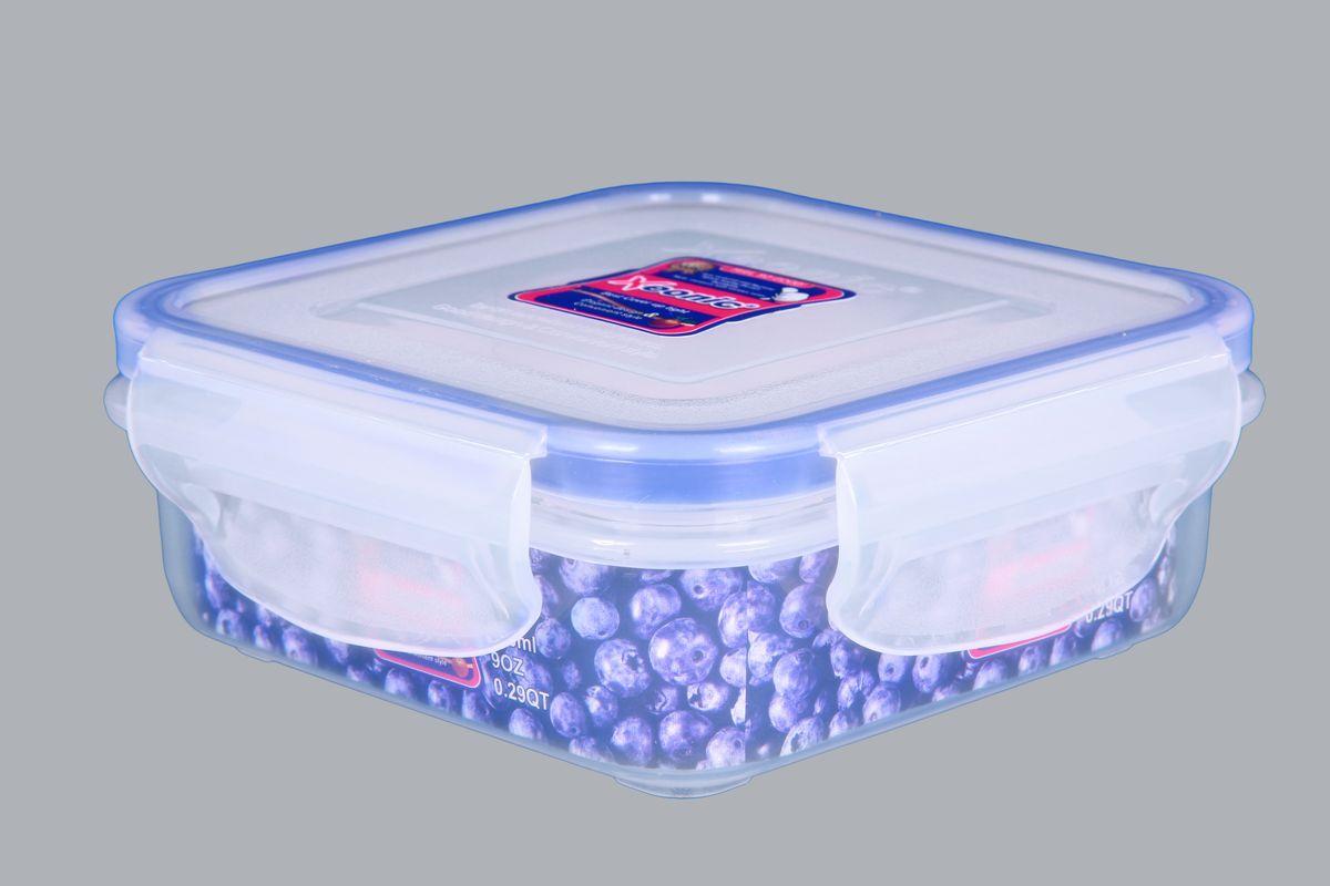 Контейнер Xeonic, цвет: прозрачный, синий, 270 млVT-1520(SR)Пластиковые герметичные контейнеры для хранения продуктов Xeonic произведены из высококачественных материалов, имеют 100% герметичность, термоустойчивы, могут быть использованы в микроволновой печи и в морозильной камере, устойчивы к воздействию масел и жиров, не впитывают запах. Удобны в использовании, долговечны, легко открываются и закрываются, не занимают много места, можно мыть в посудомоечной машине. Размер: 10 см х 10 см х 3,5 см.