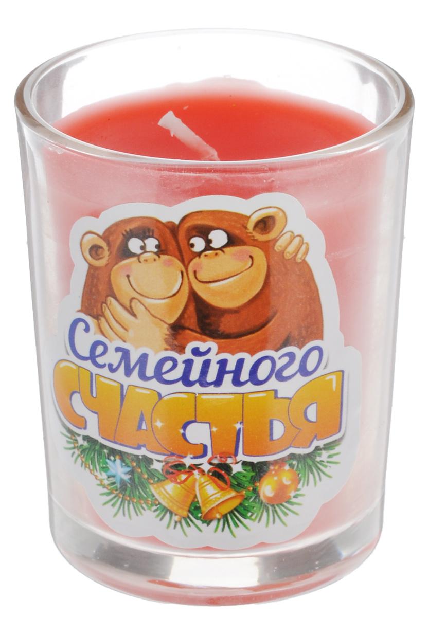 Свеча ароматизированная Sima-land Семейного счастья, высота 6 смUP210DFДекоративная свеча Sima-land Семейного счастья в стеклянном стакане с праздничным принтом станет прекрасным сувениром друзьям и близким по случаю Нового года. Свеча выполнена из воска и пропитана чудесным ароматом, который наполнит ваш дом гармонией и сделает Новый год еще ярче. Создайте романтичное настроение в самую волшебную ночь года с помощью теплого мерцающего света одной или нескольких свечей. Такое изделие станет памятным сувениром, а также отличным дополнением другого подарка. Порадуйте родных и близких - преподнесите свечку с по-настоящему новогодним настроением.