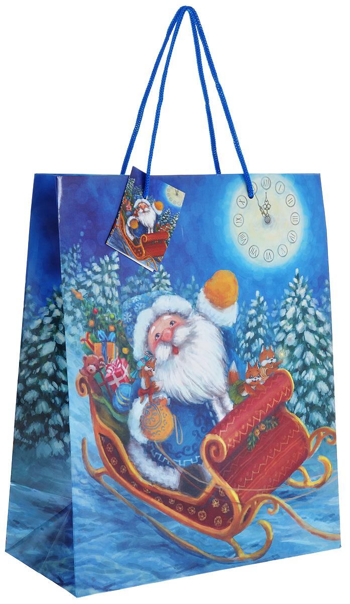 Пакет подарочный Феникс-презент Дед Мороз в санях, 26 х 32,4 х 12,7 см38552Подарочный пакет Феникс-презент Дед Мороз в санях, изготовленный из плотной бумаги, станет незаменимым дополнением к выбранному подарку. Дно изделия укреплено картоном, который позволяет сохранить форму пакета и исключает возможность деформации дна под тяжестью подарка. Для удобной переноски на пакете имеются две ручки из шнурков. Подарок, преподнесенный в оригинальной упаковке, всегда будет самым эффектным и запоминающимся. Окружите близких людей вниманием и заботой, вручив презент в нарядном, праздничном оформлении.