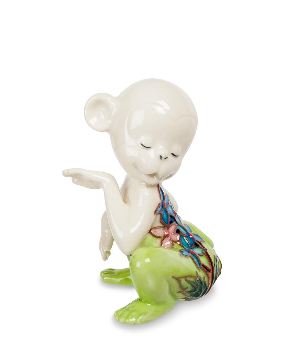Фигурка декоративная Pavone Обезьяна, цвет: белый, салатовый. 107428NLED-444-7W-BKДекоративная фигурка Pavone Обезьяна станет оригинальным подарком для всех любителей стильных вещей. Сувенир выполнен из высококачественного фарфора в виде обезьянки, украшенной оригинальным узором. Изысканный сувенир станет прекрасным дополнением к интерьеру. Вы можете поставить фигурку в любом месте, где она будет удачно смотреться и радовать глаз.Высота фигурки: 8 см.