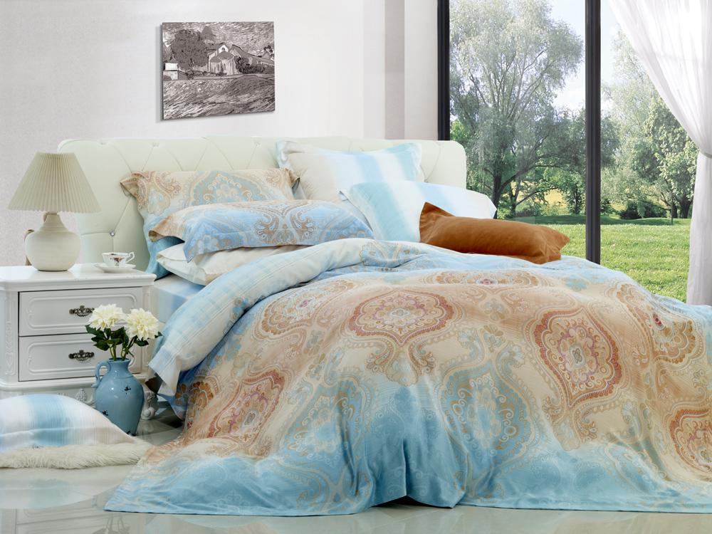 Комплект белья Диана La Vanille, 1,5-спальный, наволочки 70х70, цвет: белый, голубой, коричневый. С-577-143-150-70С-577-143-150-70Комплект постельного белья Диана La Vanille состоит из пододеяльника, простыни и двух наволочек. Белье бесшовное, оформлено оригинальным узором и имеет изысканный внешний вид. Изготовлено из бязи люкс (100% хлопка). Бязь - это ткань из экологически чистого и натурального 100% хлопка. Неоспоримым плюсом белья из такой ткани является мягкость и легкость, она прекрасно пропускает воздух, приятна на ощупь, не образует катышков на поверхности и за ней легко ухаживать. При соблюдении рекомендаций по уходу это белье выдерживает много стирок, не линяет и не теряет свою первоначальную прочность. Уникальная ткань обеспечивает легкую глажку. Приобретая комплект постельного белья Диана La Vanille, вы можете быть уверенны в том, что покупка доставит вам и вашим близким удовольствие и подарит максимальный комфорт.
