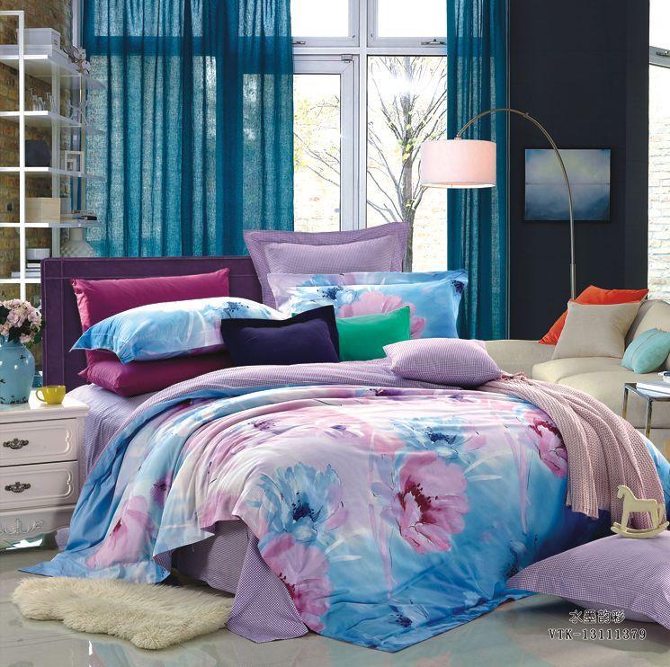 Комплект белья La Vanille, евро, наволочки 70х70, цвет: глициния, розовый, голубой. 639PANTERA SPX-2RSКомплект постельного белья La Vanille, выполненный из поплина, состоит из пододеяльника, простыни и двух наволочек. Постельное белье оформлено красочным рисунком и имеет изысканный внешний вид. Поплин - представляет собой ткань с характерным репсовым эффектом, которая создается путем чередования тонких и толстых нитей. В ней содержатся и натуральные, и синтетические волокна, за счет чего готовая материя приобретает матовый, дорогой блеск.