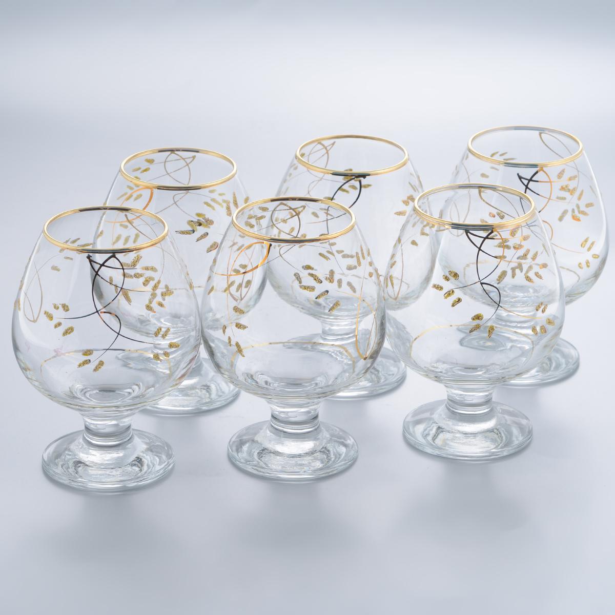 Набор бокалов для бренди Гусь-Хрустальный Колосок, 400 мл, 6 штK28-188Набор Гусь-Хрустальный Колосок состоит из 6 бокалов на низкой ножке, изготовленных из высококачественного натрий-кальций-силикатного стекла. Изделия оформлены красивым зеркальным покрытием и золотистым орнаментом. Бокалы предназначены для подачи бренди. Такой набор прекрасно дополнит праздничный стол и станет желанным подарком в любом доме. Разрешается мыть в посудомоечной машине. Диаметр бокала (по верхнему краю): 5,5 см. Высота бокала: 12,5 см. Диаметр основания бокала: 6,5 см.