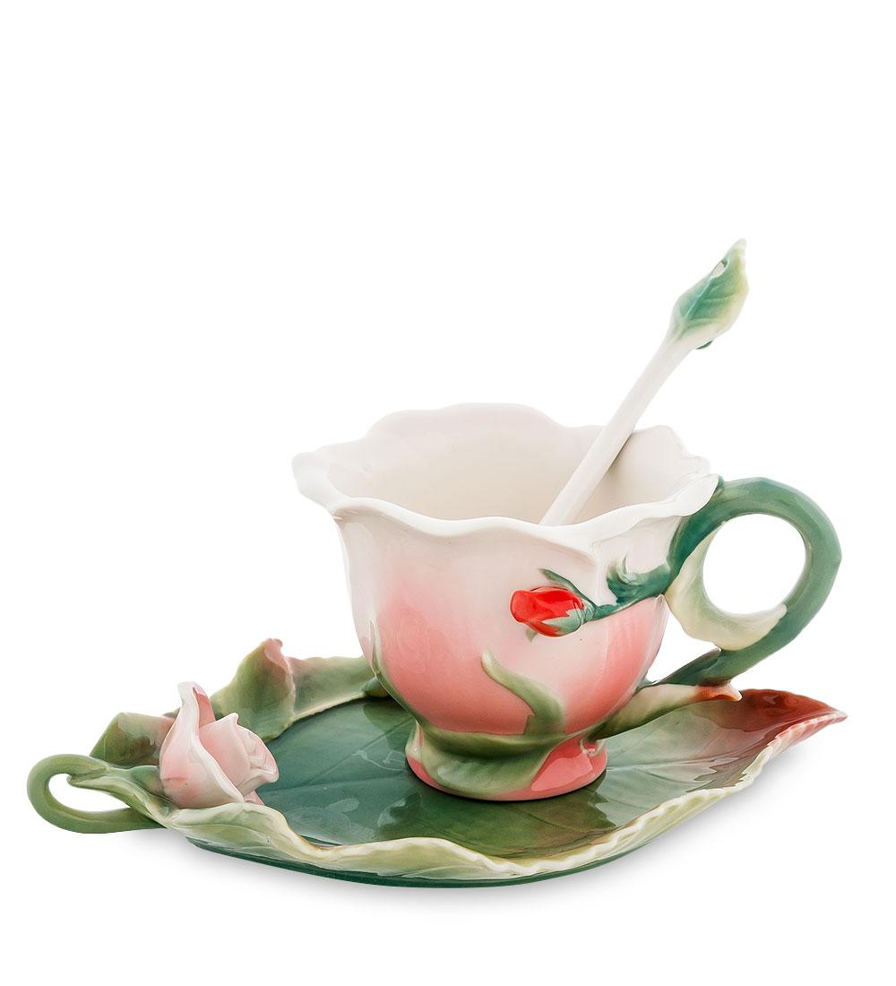 Чайная пара Pavone Роза, цвет: розовый, зеленый, 3 предмета103832Чайная пара Pavone Роза состоит из чашки, блюдца и ложечки, изготовленных из фарфора. Предметы набора оформлены изящными объемными цветами. Чайная пара Pavone Роза украсит ваш кухонный стол, а также станет замечательным подарком друзьям и близким. Изделие упаковано в подарочную коробку с атласной подложкой. Объем чашки: 100 мл. Диаметр чашки по верхнему краю: 9 см. Высота чашки: 6,5 см. Размеры блюдца (без учета высоты декоративного элемента): 17,5 см х 11 см х 1,5 см. Длина ложки: 13 см.