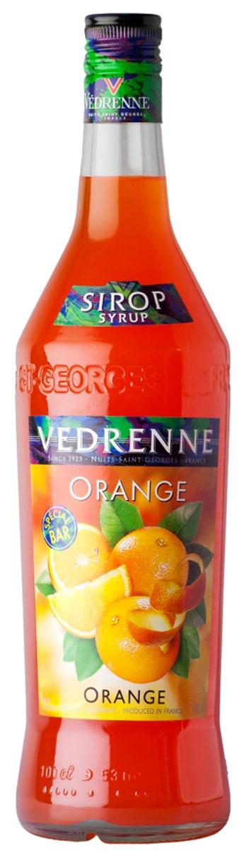 Vedrenne Апельсин сироп, 1 л0120710Сироп Апельсин - это очень популярная среди гурманов добавка, которая придаст вашему любимому лакомствужизнерадостные оттенки оранжевого фрукта. Апельсиновый сироп станет идеальным дополнением к лимонаду,коктейлям, кофе, мороженому, компоту, холодному чаю, а также сделает любую выпечку ароматной и приятнойна вкус. Сироп Апельсин позволит вам насладиться букетом солнечного фрукта в любое время. Для егоизготовления используются только отборные ингредиенты: апельсиновый сок, сахар и чистейшая вода, которыеподвергаются бережной обработке, в результате чего получается нежный сироп.Сироп Апельсин позволит вам насладиться букетом солнечного фрукта в любое время. Для его изготовленияиспользуются только отборные ингредиенты: апельсиновый сок, сахар и чистейшая вода, которые подвергаютсябережной обработке, в результате чего получается нежный сироп.Сиропы изготавливаются на основе натурального растительного сырья, фруктовых и ягодных соков прямогоотжима, цитрусовых настоев, а также с использованием очищенной воды без вредных примесей, что позволяетвыдержать все ценные и полезные свойства натуральных фруктово-ягодных плодов и трав. В состав сироповвходит только натуральный сахар, произведенный по традиционной технологии из сахарозы. Благодарявысокому содержанию концентрированного фруктового сока, сиропы Vedrenne обладают изысканным ароматоми натуральным вкусом, являются эффективным подсластителем при незначительной калорийности. Ониоптимизируют уровень влажности и процесс кристаллизации десертов, хорошо смешиваются с другимиингредиентами и способствуют улучшению вкусовых качеств напитков и десертов.Сиропы Vedrenne разливаются в стеклянные бутылки с яркими этикетками, на которых изображен фрукт, ягодаили другой ингредиент, определяющий вкусовые оттенки того или иного продукта Vedrenne. Емкости ссиропами Vedrenne герметичны и поэтому не позволяют содержимому контактировать с микроорганизмами идругими губительными внешними воздействиями. Кроме то
