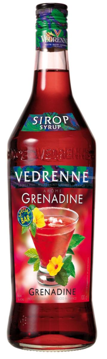 Vedrenne Гренадин сироп, 1 лSVDRGR-010B01Сироп Гренадин — поистине один из самых популярных продуктов данной категории. Его вкус прекрасно сочетается с другими напитками, в том числе и алкогольными, лимонадами, компотами, кофе и холодным чаем. Сиропы изготавливаются на основе натурального растительного сырья, фруктовых и ягодных соков прямого отжима, цитрусовых настоев, а также с использованием очищенной воды без вредных примесей, что позволяет выдержать все ценные и полезные свойства натуральных фруктово-ягодных плодов и трав. В состав сиропов входит только натуральный сахар, произведенный по традиционной технологии из сахарозы. Благодаря высокому содержанию концентрированного фруктового сока, сиропы Vedrenne обладают изысканным ароматом и натуральным вкусом, являются эффективным подсластителем при незначительной калорийности. Они оптимизируют уровень влажности и процесс кристаллизации десертов, хорошо смешиваются с другими ингредиентами и способствуют улучшению вкусовых качеств напитков и...