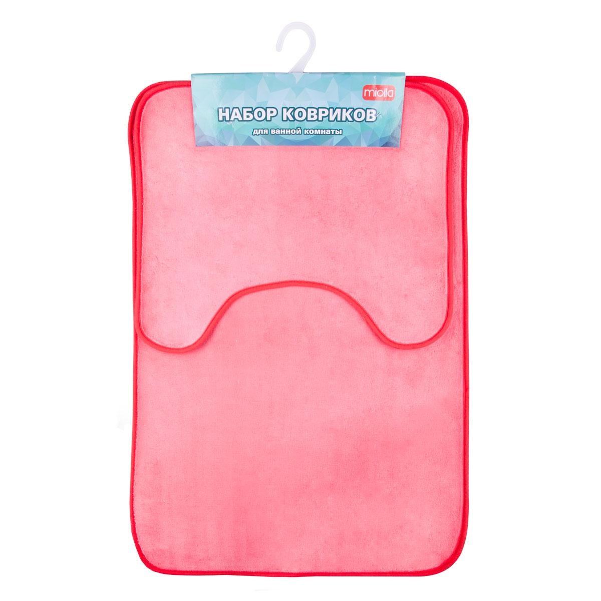 Набор ковриков для ванной Miolla, цвет: фуксия, 2 штUP210DFНабор Miolla состоит из двух ковриков для ванной комнаты: прямоугольного и с вырезом. Изделия изготовлены из 100% полиэстера. Благодаря специальной обработки нижней стороны, коврики не скользят на плитке. Яркий дизайн позволит оформить ванную комнату по вашему вкусу .Размер ковриков: 75 см х 48 см; 45 см х 40 см.Высота ворса: 0,6 см.