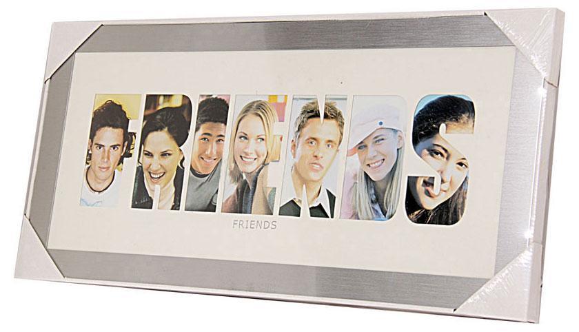 Фоторамка РАТАFriends, цвет: серебристый, на 7 фото12204 WF-GS-2047/204Фоторамка РАТА отлично дополнит интерьер помещения и поможет сохранить на память ваши любимые фотографии. Фоторамка представляет собой коллаж на 7 фотографий в виде надписи FRIENDS.Такая рамка позволит сохранить на память изображения дорогих вам людей и интересных событий вашей жизни, а также станет приятным подарком для каждого.