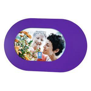 Фоторамка 94739PU Ф/рм al 10x15 (48)(12)овал -фиолетовая94739Фоторамка PATA - прекрасный способ красиво оформить фотографию. Фоторамка поможет сохранить на память самые яркие моменты вашей жизни, а стильный дизайн сделает ее прекрасным дополнением интерьера комнаты.