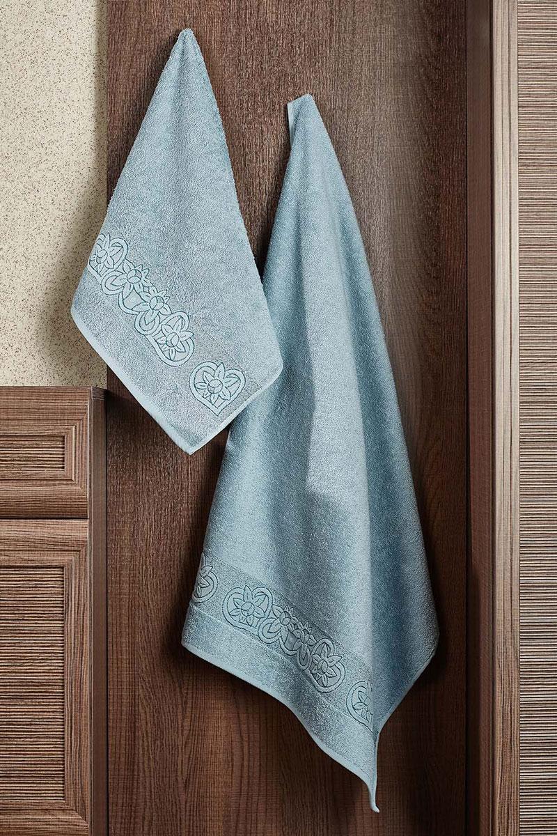 Полотенце Deni 70х140 (серо-голубой)2857014-D04Махровое полотенце – невероятно стильный и современный аксессуар для Вашей ванной. Разнообразие расцветок впечатляет. Благодаря высокой плотности махры Ваше полотенце прослужит долгие годы, даря тепло и уют Вашим близким.