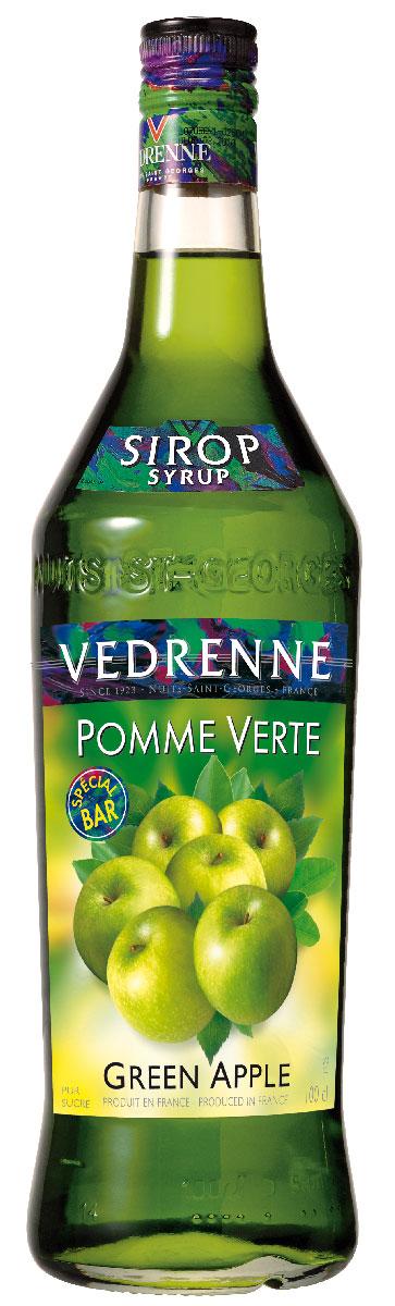 Vedrenne Зеленое Яблоко сироп, 1 лSVDRPV-010B01Сироп Зеленое яблоко обладает насыщенным свежим ароматом душистых зеленых яблок. Аппетитная густая консистенция окрашена в ярко-зеленый красивый цвет. Сиропы изготавливаются на основе натурального растительного сырья, фруктовых и ягодных соков прямого отжима, цитрусовых настоев, а также с использованием очищенной воды без вредных примесей, что позволяет выдержать все ценные и полезные свойства натуральных фруктово-ягодных плодов и трав. В состав сиропов входит только натуральный сахар, произведенный по традиционной технологии из сахарозы. Благодаря высокому содержанию концентрированного фруктового сока, сиропы Vedrenne обладают изысканным ароматом и натуральным вкусом, являются эффективным подсластителем при незначительной калорийности. Они оптимизируют уровень влажности и процесс кристаллизации десертов, хорошо смешиваются с другими ингредиентами и способствуют улучшению вкусовых качеств напитков и десертов. Сиропы Vedrenne разливаются в стеклянные бутылки с...