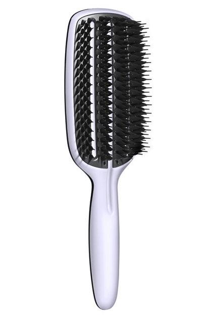 Tangle Teezer Расческа для волос Blow-Styling Full Paddle370206Tangle Teezer - оригинальная профессиональная расческа для расчесывания волос, которая позволит вам с легкостью всего за одну минуту без рывков и напряжения расчесать мокрые или окрашенные волосы, не причиняя им вреда. Эта расческая делает легким и приятным расчесывание даже спутанных волос! Товар сертифицирован.