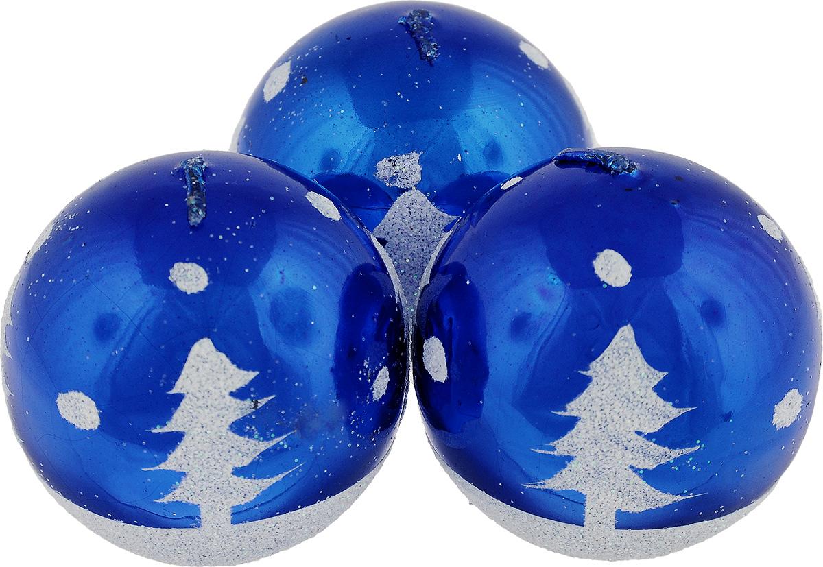 Набор свечей Winter Wings Шар, цвет: синий, диаметр 5 см, 3 штN10431_синийНабор Winter Wings Шар состоит из трех свечей в виде елочных шаров, оформленных блестками и изображением елок. Свечи, выполненные из парафина, располагаются на пластиковой подставке. Такие свечи создадут атмосферу таинственности и загадочности и наполнят ваш дом волшебством и ощущением праздника. Хороший сувенир для друзей и близких.