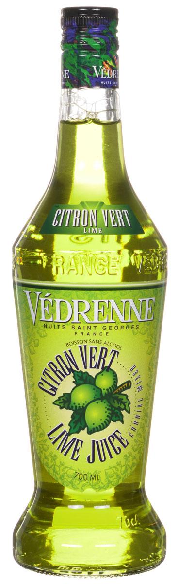 Vedrenne Лайм Джус сироп, 0,7 лSVDRLJ-070B01Сироп Лайм Джус изготавливается из натурального сока лайма – небольшого цитрусового фрукта с желто- зеленой шкуркой, сочной кислой мякотью и терпким горьковатым привкусом. Сиропы изготавливаются на основе натурального растительного сырья, фруктовых и ягодных соков прямого отжима, цитрусовых настоев, а также с использованием очищенной воды без вредных примесей, что позволяет выдержать все ценные и полезные свойства натуральных фруктово-ягодных плодов и трав. В состав сиропов входит только натуральный сахар, произведенный по традиционной технологии из сахарозы. Благодаря высокому содержанию концентрированного фруктового сока, сиропы Vedrenne обладают изысканным ароматом и натуральным вкусом, являются эффективным подсластителем при незначительной калорийности. Они оптимизируют уровень влажности и процесс кристаллизации десертов, хорошо смешиваются с другими ингредиентами и способствуют улучшению вкусовых качеств напитков и десертов. Сиропы Vedrenne...