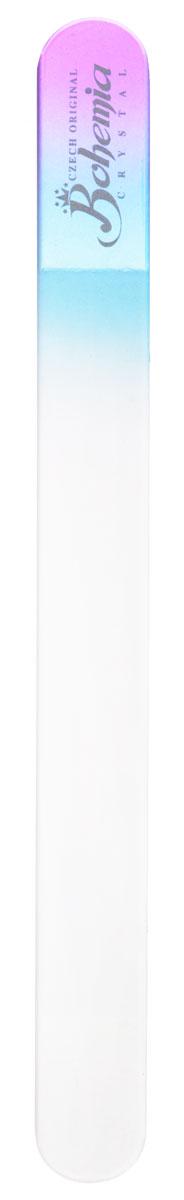 Bohemia Пилочка для ногтей, стеклянная, чехол из замши, цвет: фиолетово-голубой. 17831092018Стеклянная пилочка Bohemia подходит как для натуральных, так и для искусственных ногтей. Она прекрасно шлифует и придает форму ногтям. После пользования стеклянной пилочкой ногти не слоятся и не ломаются. При уходе за накладными ногтями во время работы ее рекомендуется периодически смачивать в воде. Поверхность стеклянной пилочки не поддается коррозии.К пилочке прилагается замшевый чехол.Материал пилочки: богемское стекло.