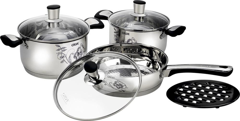 Набор кухонной посуды Calve, 7 предметовCL-1847Набор кухонной посуды Calve состоит из сковороды, двух кастрюль, 3 крышек и бакелитовой подставки. Предметы набора выполнены из нержавеющей стали. Изделия имеют удобные ручки эргономичной формы. Надежное крепление ручки гарантирует безопасность использования. Комбинированная крышка из высококачественной нержавеющей стали и жаропрочного стекла позволяет следить за процессом приготовления, не открывая крышки. Специальное отверстие для выхода пара позволяет готовить с закрытой крышкой, предотвращая выкипание. Бакелитовая подставка позволит без опасения поставить изделие на любую поверхность. Изделия имеют эксклюзивный термосенсор. При нагревании, рисунок на кастрюли меняет цвет. Зеркальная полировка придает посуде стильный внешний вид. Подходят для всех видов плит, включая индукционные. Можно мыть в посудомоечной машине и использовать в духовом шкафу. В набор входят: - кастрюля с крышкой, диаметр 18 см, объем 2,7 л, -...