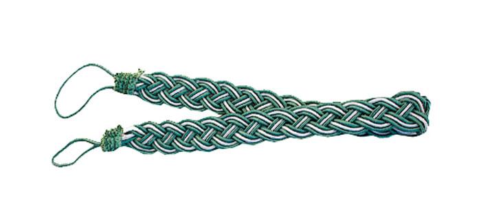 Подхват для штор Goodliving Коса, цвет: зеленый, серебристый, длина 65 см, 2 шт142669_630/502Подхват для штор Goodliving Коса представляет собой плотный узор, плетеный в виде косы. Изделие оснащено петлями для фиксации штор, гардин и портьер. Подхват - это основной вид фурнитуры в декоре штор, сочетающий в себе не только декоративную функцию, но и практическую - регулировать поток света. Такой аксессуар способен украсить любую комнату. Длина подхвата (с учетом петель): 65 см. Ширина подхвата: 2,5 см.