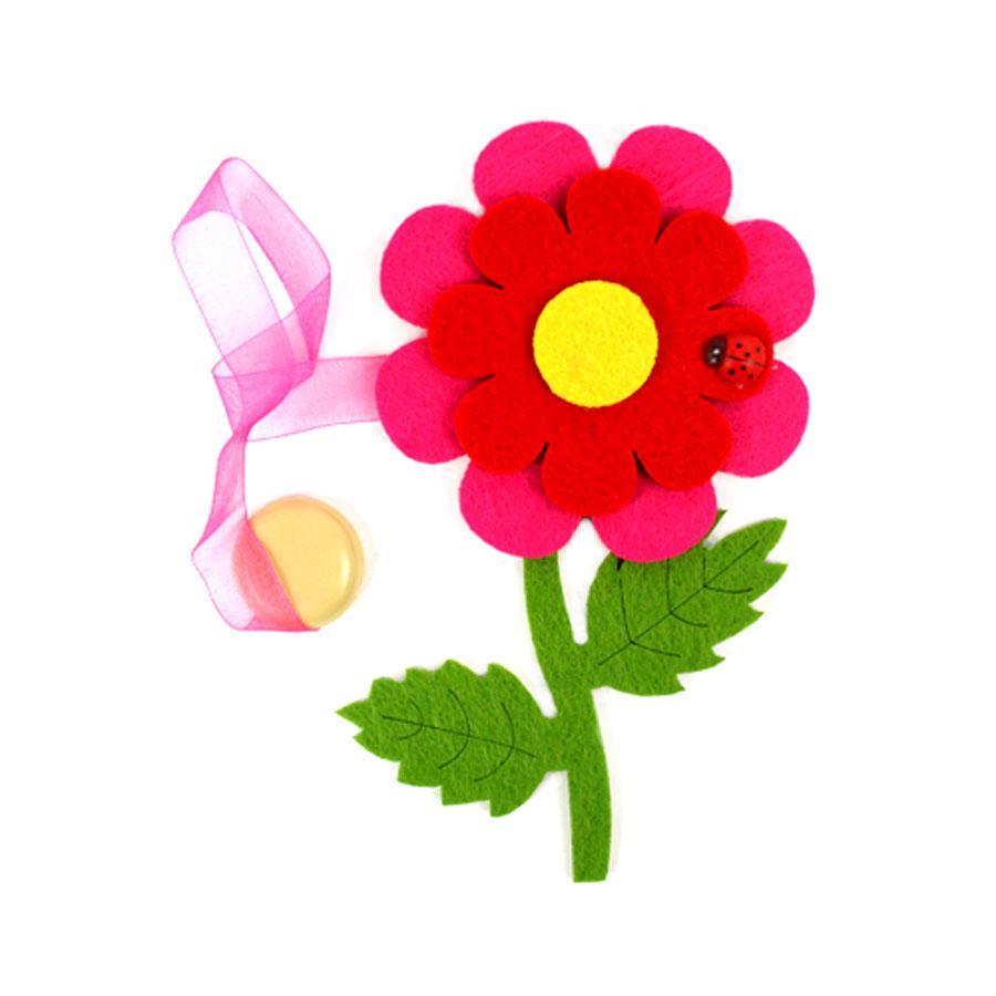 Клипса-магнит для штор Астра Цветок с декором, цвет: зеленый, красный, розовый, 15,5 х 11 см7713420_ C312/C171Клипса-магнит Астра Цветок с декором, изготовленная из полиэстера и текстиля, предназначена для придания формы шторам. Изделие представляет собой два магнита, расположенные на разных концах текстильной ленты. Один из магнитов оформлен декоративным изображением цветка и божьей коровки. С помощью такой магнитной клипсы можно зафиксировать портьеры, придать им требуемое положение, сделать складки симметричными или приблизить портьеры, скрепить их. Клипсы для штор являются универсальным изделием, которое превосходно подойдет как для штор в детской комнате, так и для штор в гостиной. Следует отметить, что клипсы для штор выполняют не только практическую функцию, но также являются одной из основных деталей декора этого изделия, которая придает шторам восхитительный, стильный внешний вид. Размер декоративного элемента: 15,5 см х 11 см х 1,5 см. Диаметр магнита: 2 см. Длина ленты: 30 см.