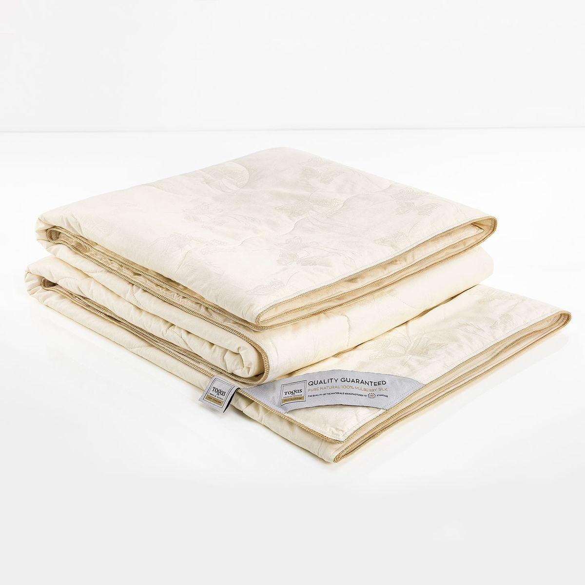 """Одеяло Баттерфляй шелк в сатине, 220 х 240 см. 47.5347.53Одеяло """"Шелк в сатине» - настоящий подарок для перфекционистов и утонченных ценителей красоты. Роскошный сатин, из которого выполнен чехол, по праву считается «королем» хлопка. Изысканный глянец, позволяющий сравнить его с шелком, достигается благодаря особому переплетению волокон, придающему ткани шелковистую мягкость и прочность. Он прост в уходе и почти не мнется. Такой чехол, без сомнения, достоин своего драгоценного содержимого! Наполнитель из натурального шелка сорта Малбери отличается особой мягкостью и абсолютной невесомостью."""
