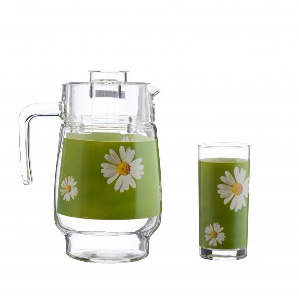 Набор питьевой Luminarc Paquerette, 7 предметовG1982Питьевой набор Luminarc Paquerette, состоит из 6 стаканов и кувшина с пластиковой крышкой. Изделия выполнены из высококачественного прочного стекла и декорированы красивым цветочным рисунком. Набор прекрасно подходит для сока, воды, лимонада и других напитков. Изделия устойчивы к повреждениям и истиранию, в процессе эксплуатации не впитывают запахи и сохраняют первоначальные краски. Можно мыть в посудомоечной машине. Объем кувшина: 1,6 л. Объем стакана: 300 мл.