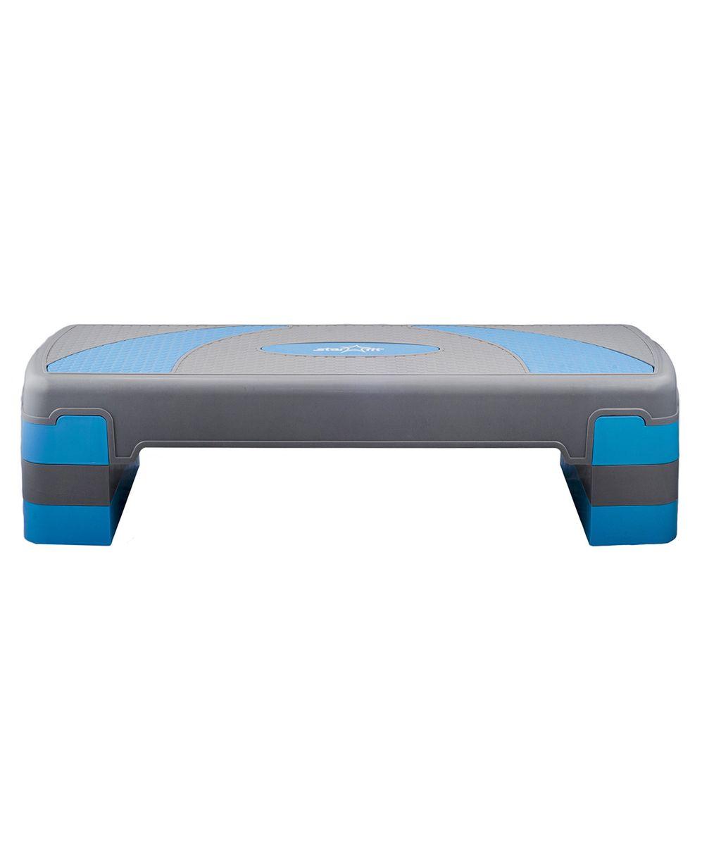 Степ-платформа Starfit SP-202 80 х 30 х 20 см, 3-х уровневая4156764Степ-платформа SP-202, 3-х уровневая- это специальный инвентарь длязанятий степ-аэробикойот популярного австралийского брендаStar Fit.Степ-аэробикас ее необходимым атрибутом степ-платформой -одно из популярных направлений фитнеса,имеющее большое количество поклонников во всем мире. Действие аэробной нагрузки, возникающей при занятиях степ-аэробикой, направлено на улучшение работы сердечно-сосудистой и дыхательной систем, развитие выносливости, повышение тонуса и эластичности мышц, в особенности ягодичных мышц и мышц ног.Чемвыше высота платформы,тембольше нагрузкаиэффективность упражнений.Увеличить нагрузку можно также за счет использования гантелей или утяжелителей.Max высота: 20 см.Высота каждого уровня: 5 см.