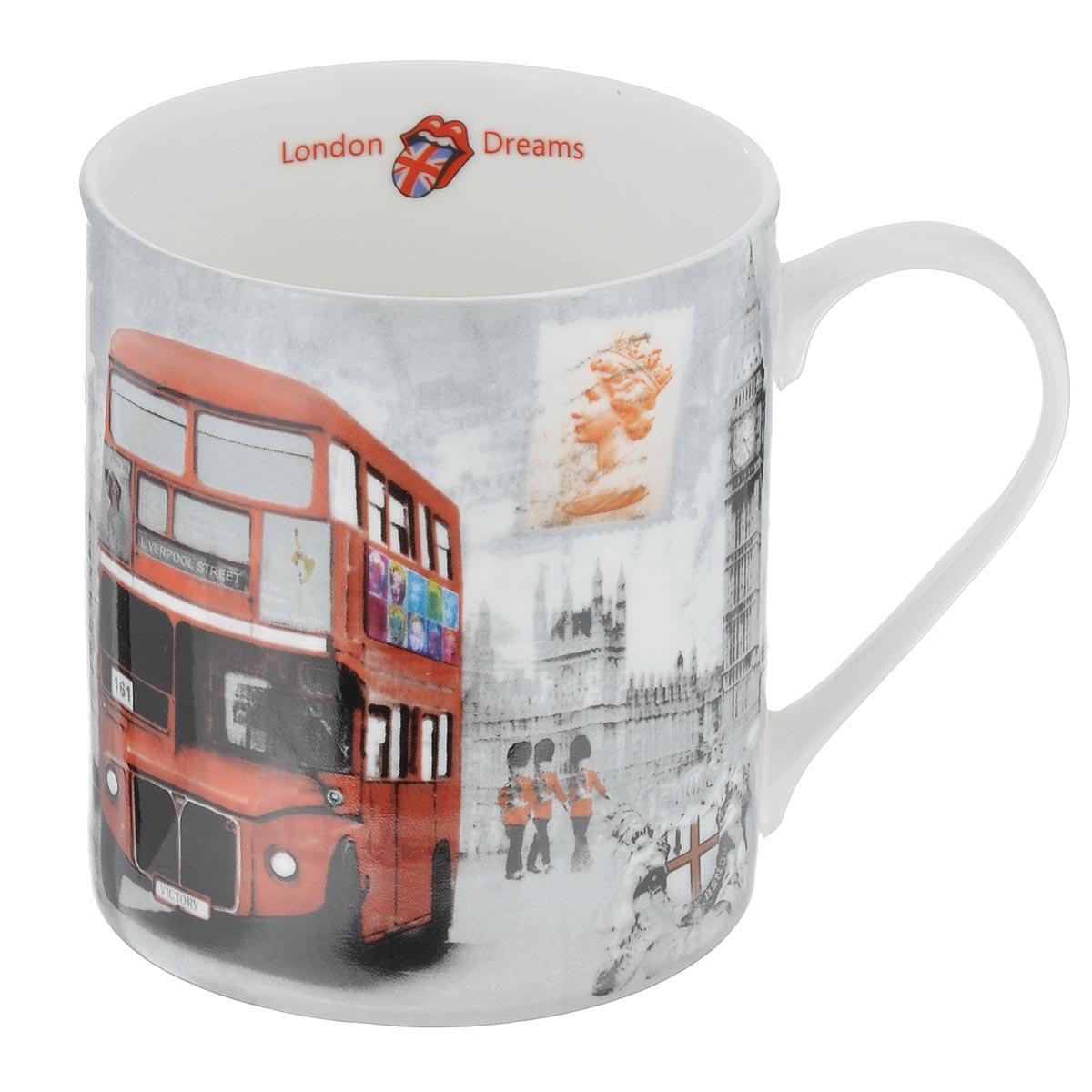 Кружка GiftnHome Лондонский перекресток, 400 мл115510Кружка GiftnHome Лондонский перекресток изготовлена из высококачественного костяного фарфора, покрытого слоем сверкающей глазури. Внешние стенки оформлены красочным изображением двухэтажного автобуса. Внутренняя поверхность декорирована надписью: London Dreams. Кружка отличается высоким качеством и стильным дизайном. Она станет прекрасным подарком к любому случаю. Можно использовать в СВЧ и посудомоечной машине.