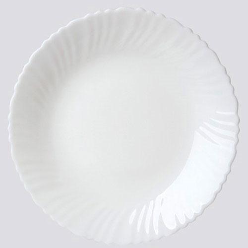 Тарелка обеденная Chinbull, диаметр 24 смOLHP-95Обеденная тарелка Chinbull, изготовленная из высококачественной стеклокерамики. Изящный дизайн придется по вкусу и ценителям классики, и тем, кто предпочитает утонченность. Тарелка Chinbull идеально подойдет для сервировки стола и станет отличным подарком к любому празднику. Диаметр (по верхнему краю): 24 см.
