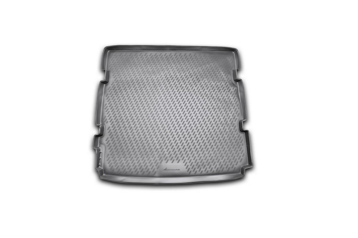 Коврик автомобильный Novline-Autofamily для Chevrolet Orlando минивэн 2011-, в багажник. CARCHV00026CARCHV00026Автомобильный коврик Novline-Autofamily, изготовленный из полиуретана, позволит вам без особых усилий содержать в чистоте багажный отсек вашего авто и при этом перевозить в нем абсолютно любые грузы. Этот модельный коврик идеально подойдет по размерам багажнику вашего автомобиля. Такой автомобильный коврик гарантированно защитит багажник от грязи, мусора и пыли, которые постоянно скапливаются в этом отсеке. А кроме того, поддон не пропускает влагу. Все это надолго убережет важную часть кузова от износа. Коврик в багажнике сильно упростит для вас уборку. Согласитесь, гораздо проще достать и почистить один коврик, нежели весь багажный отсек. Тем более, что поддон достаточно просто вынимается и вставляется обратно. Мыть коврик для багажника из полиуретана можно любыми чистящими средствами или просто водой. При этом много времени у вас уборка не отнимет, ведь полиуретан устойчив к загрязнениям. Если вам приходится перевозить в багажнике тяжелые грузы,...