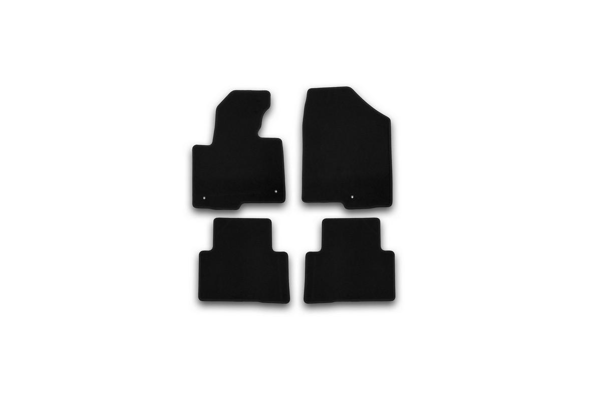 Набор автомобильных ковриков Klever для Hyundai Santa Fe АКПП 2012-, кроссовер, в салон, 4 шт. KVR01205401200kKVR01205401200kНабор автомобильных ковриков Klever, изготовленный из текстиля, состоит из 4 ковриков, которые учитывают все особенности каждой модели автомобиля и полностью повторяют контуры пола. Текстильные автомобильные коврики для салона произведены из высококачественного материала, который держит форму, прочный и не пачкает обувь. Коврики в салон не только улучшат внешний вид салона вашего автомобиля, но и надежно уберегут его от пыли, грязи и сырости, а значит, защитят кузов от коррозии. Текстильные коврики для автомобиля мягкие и приятные, а их основа из вспененного полиуретана не пропускает влагу. Ковры для автомобилей надежно крепятся на полу и не скользят, что очень важно во время движения. Чистятся коврики очень просто: как при помощи автомобильного пылесоса, так и различными моющими средствами. Набор подходит для Hyundai Santa Fe АКПП кроссовер с 2012 года выпуска.