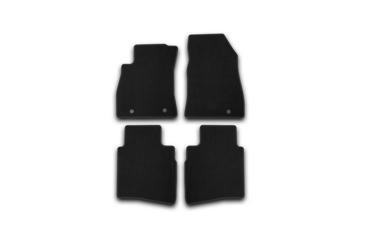 Набор автомобильных ковриков Klever для Nissan Sentra 2014-, седан, в салон, 4 шт. KVR01364101200kVT-1520(SR)Набор автомобильных ковриков Klever, изготовленный из текстиля, состоит из 4 ковриков, которые учитывают все особенности каждой модели автомобиля и полностью повторяют контуры пола. Текстильные автомобильные коврики для салона произведены из высококачественного материала, который держит форму, прочный и не пачкает обувь. Коврики в салон не только улучшат внешний вид салона вашего автомобиля, но и надежно уберегут его от пыли, грязи и сырости, а значит, защитят кузов от коррозии. Текстильные коврики для автомобиля мягкие и приятные, а их основа из вспененного полиуретана не пропускает влагу. Ковры для автомобилей надежно крепятся на полу и не скользят, что очень важно во время движения. Чистятся коврики очень просто: как при помощи автомобильного пылесоса, так и различными моющими средствами. Набор подходит для Nissan Sentra седан с 2014 года выпуска.
