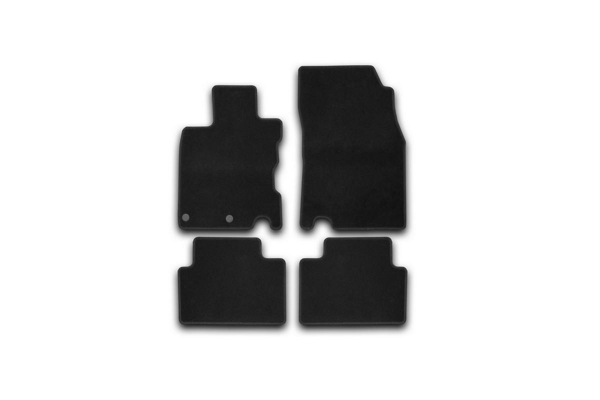 Набор автомобильных ковриков Klever для Nissan Qashqai 2014-, кроссовер, в салон, 4 шт. KVR01364301200kKVR01364301200kНабор автомобильных ковриков Klever, изготовленный из текстиля, состоит из 4 ковриков, которые учитывают все особенности каждой модели автомобиля и полностью повторяют контуры пола. Текстильные автомобильные коврики для салона произведены из высококачественного материала, который держит форму, прочный и не пачкает обувь. Коврики в салон не только улучшат внешний вид салона вашего автомобиля, но и надежно уберегут его от пыли, грязи и сырости, а значит, защитят кузов от коррозии. Текстильные коврики для автомобиля мягкие и приятные, а их основа из вспененного полиуретана не пропускает влагу. Ковры для автомобилей надежно крепятся на полу и не скользят, что очень важно во время движения. Чистятся коврики очень просто: как при помощи автомобильного пылесоса, так и различными моющими средствами. Набор подходит для Nissan Qashqai кроссовер с 2014 года выпуска.