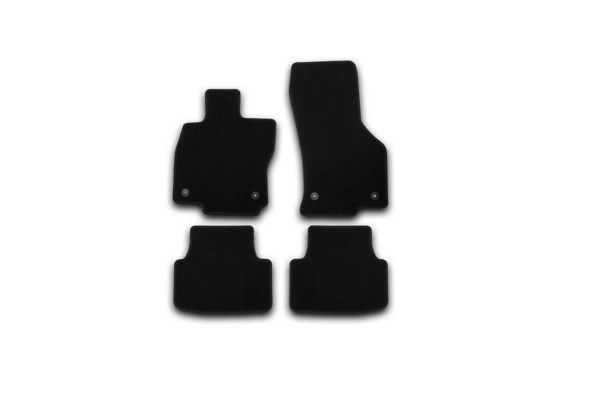 Коврики в салон SKODA Octavia 2013->, сед., 4 шт.(текстиль). KVR01451601200kKVR01451601200kКоврики в салон не только улучшат внешний вид салона вашего автомобиля, но и надежно уберегут его от пыли, грязи и сырости, а значит, защитят кузов от коррозии. Текстильные коврики для автомобиля мягкие и приятные, а их основа из вспененного полиуретана не пропускает влагу.. Автомобильные коврики в салон учитывают все особенности каждой модели авто и полностью повторяют контуры пола. Благодаря этому их не нужно будет подгибать или обрезать. И самое главное — они не будут мешать педалям. Текстильные автомобильные коврики для салона произведены из высококачественного материала, который держит форму и не пачкает обувь. К тому же, этот материал очень прочный (его, к примеру, не получится проткнуть каблуком). Некоторые автоковрики становятся источником неприятного запаха в автомобиле. С текстильными ковриками Novline вы можете этого не бояться. Ковры для автомобилей надежно крепятся на полу и не скользят, что очень важно во время движения, особенно для водителя. Автоковры из текстиля с...