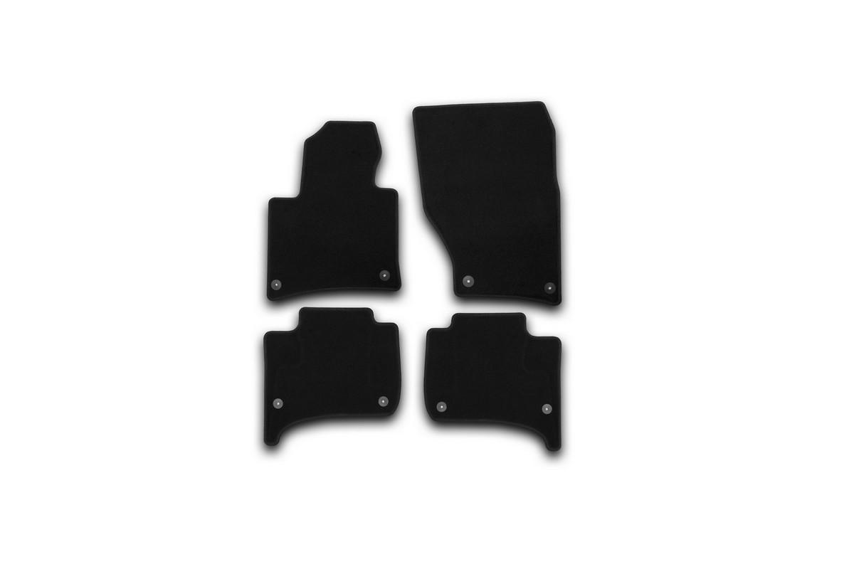 Набор автомобильных ковриков Klever для Volkswagen Touareg 2010-, внедорожник, в салон, 4 шт. KVR01513601200kKVR01513601200kНабор автомобильных ковриков Klever, изготовленный из текстиля, состоит из 4 ковриков, которые учитывают все особенности каждой модели автомобиля и полностью повторяют контуры пола. Текстильные автомобильные коврики для салона произведены из высококачественного материала, который держит форму, прочный и не пачкает обувь. Коврики в салон не только улучшат внешний вид салона вашего автомобиля, но и надежно уберегут его от пыли, грязи и сырости, а значит, защитят кузов от коррозии. Текстильные коврики для автомобиля мягкие и приятные, а их основа из вспененного полиуретана не пропускает влагу. Ковры для автомобилей надежно крепятся на полу и не скользят, что очень важно во время движения. Чистятся коврики очень просто: как при помощи автомобильного пылесоса, так и различными моющими средствами. Набор подходит для Volkswagen Touareg внедорожник с 2010 года выпуска.