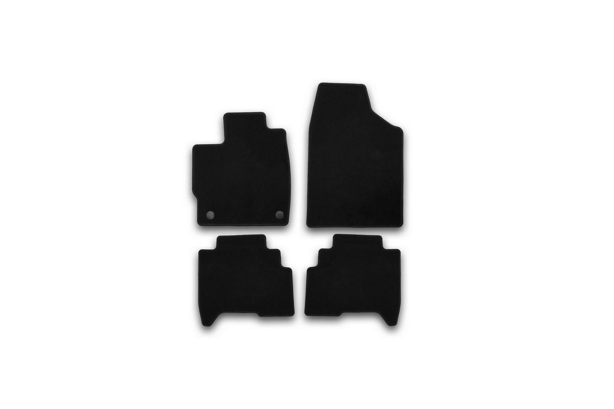 Набор автомобильных ковриков Klever для Lifan X 50 2015-, кроссовер, в салон, 4 штKVR01730501200kНабор автомобильных ковриков Klever, изготовленный из текстиля, состоит из 4 ковриков, которые учитывают все особенности каждой модели автомобиля и полностью повторяют контуры пола. Текстильные автомобильные коврики для салона произведены из высококачественного материала, который держит форму, прочный и не пачкает обувь. Коврики в салон не только улучшат внешний вид салона вашего автомобиля, но и надежно уберегут его от пыли, грязи и сырости, а значит, защитят кузов от коррозии. Текстильные коврики для автомобиля мягкие и приятные, а их основа из вспененного полиуретана не пропускает влагу. Ковры для автомобилей надежно крепятся на полу и не скользят, что очень важно во время движения. Чистятся коврики очень просто: как при помощи автомобильного пылесоса, так и различными моющими средствами. Набор подходит для Lifan X 50 кроссовер с 2015 года выпуска.