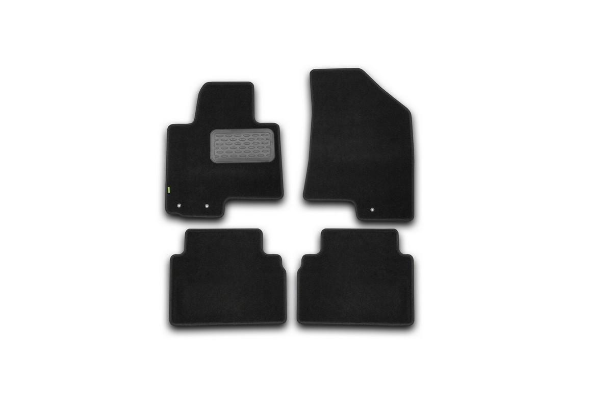 Набор автомобильных ковриков Klever для Kia Sportage 2010-, внедорожник, в салон, 4 штKVR02253301210khНабор автомобильных ковриков Klever, изготовленный из текстиля, состоит из 4 ковриков, которые учитывают все особенности каждой модели автомобиля и полностью повторяют контуры пола. Текстильные автомобильные коврики для салона произведены из высококачественного материала, который держит форму, прочный и не пачкает обувь. Коврики в салон не только улучшат внешний вид салона вашего автомобиля, но и надежно уберегут его от пыли, грязи и сырости, а значит, защитят кузов от коррозии. Текстильные коврики для автомобиля мягкие и приятные, а их основа из вспененного полиуретана не пропускает влагу. Ковры для автомобилей надежно крепятся на полу и не скользят, что очень важно во время движения. Чистятся коврики очень просто: как при помощи автомобильного пылесоса, так и различными моющими средствами. Набор подходит для Kia Sportage с 2010- года выпуска.