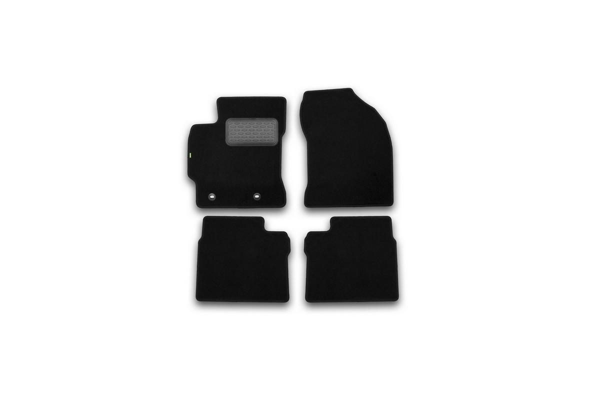 Набор автомобильных ковриков Klever для Toyota Corolla 2013-, седан, в салон, 4 шт. KVR02486901210khKVR02486901210khНабор автомобильных ковриков Klever, изготовленный из текстиля, состоит из 4 ковриков, которые учитывают все особенности каждой модели автомобиля и полностью повторяют контуры пола. Текстильные автомобильные коврики для салона произведены из высококачественного материала, который держит форму, прочный и не пачкает обувь. Коврики в салон не только улучшат внешний вид салона вашего автомобиля, но и надежно уберегут его от пыли, грязи и сырости, а значит, защитят кузов от коррозии. Текстильные коврики для автомобиля мягкие и приятные, а их основа из вспененного полиуретана не пропускает влагу. Ковры для автомобилей надежно крепятся на полу и не скользят, что очень важно во время движения. Чистятся коврики очень просто: как при помощи автомобильного пылесоса, так и различными моющими средствами. Набор подходит для Toyota Corolla седан с 2013 года выпуска.