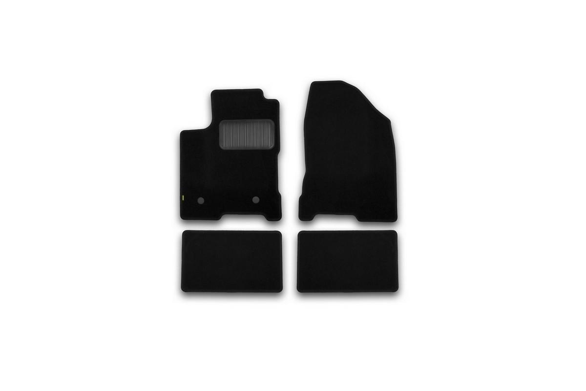 Набор автомобильных ковриков Klever для Lada Vesta 2015-, седан, в салон, 4 шт. KVR02523301210khKVR02523301210khНабор автомобильных ковриков Klever, изготовленный из текстиля, состоит из 4 ковриков, которые учитывают все особенности каждой модели автомобиля и полностью повторяют контуры пола. Текстильные автомобильные коврики для салона произведены из высококачественного материала, который держит форму, прочный и не пачкает обувь. Коврики в салон не только улучшат внешний вид салона вашего автомобиля, но и надежно уберегут его от пыли, грязи и сырости, а значит, защитят кузов от коррозии. Текстильные коврики для автомобиля мягкие и приятные, а их основа из вспененного полиуретана не пропускает влагу. Ковры для автомобилей надежно крепятся на полу и не скользят, что очень важно во время движения. Чистятся коврики очень просто: как при помощи автомобильного пылесоса, так и различными моющими средствами. Набор подходит для Lada Vesta седан с 2015 года выпуска.