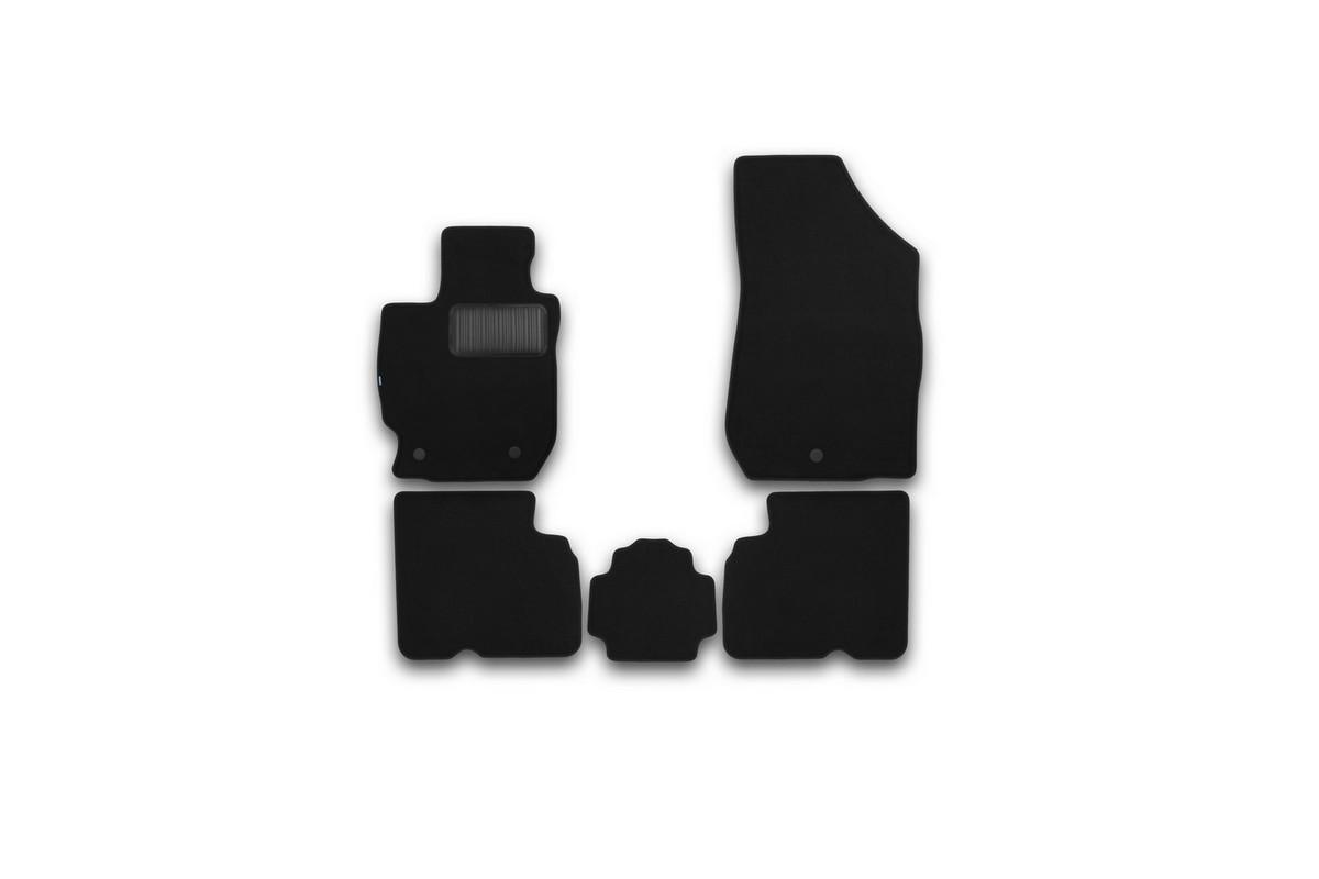 Набор автомобильных ковриков Klever для Nissan Almera АКПП 2012-, седан, в салон, 5 шт. KVR03364022110khKVR03364022110khНабор автомобильных ковриков Klever, изготовленный из текстиля, состоит из 5 ковриков, которые учитывают все особенности каждой модели автомобиля и полностью повторяют контуры пола. Текстильные автомобильные коврики для салона произведены из высококачественного материала, который держит форму, прочный и не пачкает обувь. Коврики в салон не только улучшат внешний вид салона вашего автомобиля, но и надежно уберегут его от пыли, грязи и сырости, а значит, защитят кузов от коррозии. Текстильные коврики для автомобиля мягкие и приятные, а их основа из вспененного полиуретана не пропускает влагу. Ковры для автомобилей надежно крепятся на полу и не скользят, что очень важно во время движения. Чистятся коврики очень просто: как при помощи автомобильного пылесоса, так и различными моющими средствами. Набор подходит для Nissan Almera АКПП седан с 2012 года выпуска.
