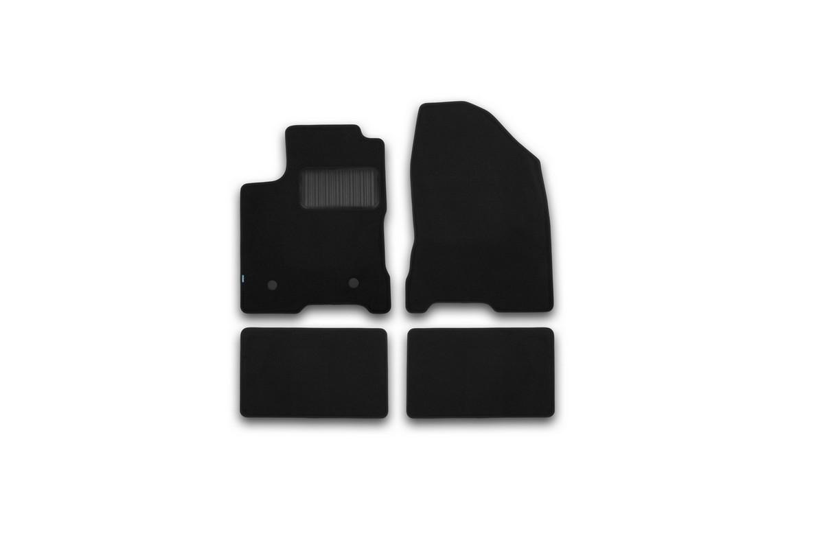 Набор автомобильных ковриков Klever для Lada Vesta 2015-, седан, в салон, 4 шт. KVR03523322110khKVR03523322110khНабор автомобильных ковриков Klever, изготовленный из текстиля, состоит из 4 ковриков, которые учитывают все особенности каждой модели автомобиля и полностью повторяют контуры пола. Текстильные автомобильные коврики для салона произведены из высококачественного материала, который держит форму, прочный и не пачкает обувь. Коврики в салон не только улучшат внешний вид салона вашего автомобиля, но и надежно уберегут его от пыли, грязи и сырости, а значит, защитят кузов от коррозии. Текстильные коврики для автомобиля мягкие и приятные, а их основа из вспененного полиуретана не пропускает влагу. Ковры для автомобилей надежно крепятся на полу и не скользят, что очень важно во время движения. Чистятся коврики очень просто: как при помощи автомобильного пылесоса, так и различными моющими средствами. Набор подходит для Lada Vesta седан с 2015 года выпуска.
