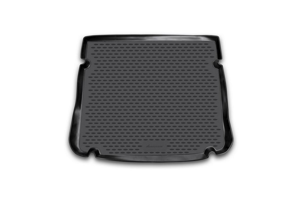 Коврик автомобильный Novline-Autofamily для Chevrolet Cruze хэтчбек 2011-, в багажникNLC.08.18.B11Автомобильный коврик Novline-Autofamily, изготовленный из полиуретана, позволит вам без особых усилий содержать в чистоте багажный отсек вашего авто и при этом перевозить в нем абсолютно любые грузы. Этот модельный коврик идеально подойдет по размерам багажнику вашего автомобиля. Такой автомобильный коврик гарантированно защитит багажник от грязи, мусора и пыли, которые постоянно скапливаются в этом отсеке. А кроме того, поддон не пропускает влагу. Все это надолго убережет важную часть кузова от износа. Коврик в багажнике сильно упростит для вас уборку. Согласитесь, гораздо проще достать и почистить один коврик, нежели весь багажный отсек. Тем более, что поддон достаточно просто вынимается и вставляется обратно. Мыть коврик для багажника из полиуретана можно любыми чистящими средствами или просто водой. При этом много времени у вас уборка не отнимет, ведь полиуретан устойчив к загрязнениям. Если вам приходится перевозить в багажнике тяжелые грузы,...