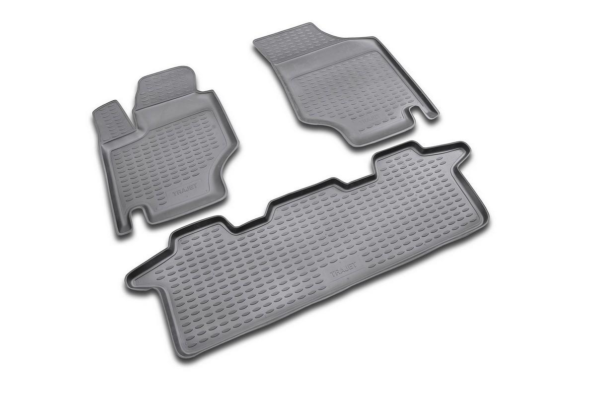 Набор автомобильных ковриков Novline-Autofamily для Hyundai Trajet АКПП 1999-2008, в салон, 5 штVT-1520(SR)Набор автомобильных ковриков Novline-Autofamily, изготовленный из полиуретана, состоит из 5 ковриков, которые учитывают все особенности каждой модели автомобиля и полностью повторяют контуры пола. Полиуретановые автомобильные коврики для салона произведены из высококачественного материала, который держит форму, прочный и не пачкает обувь. Коврики в салон не только улучшат внешний вид салона вашего автомобиля, но и надежно уберегут его от пыли, грязи и сырости, а значит, защитят кузов от коррозии. Полиуретановые коврики для автомобиля гладкие, приятные и не пропускают влагу. Ковры для автомобилей надежно крепятся на полу и не скользят, что очень важно во время движения. Чистятся коврики очень просто: как при помощи автомобильного пылесоса, так и различными моющими средствами. Набор подходит для Hyundai Trajet АКПП 1999-2008 годов выпуска.