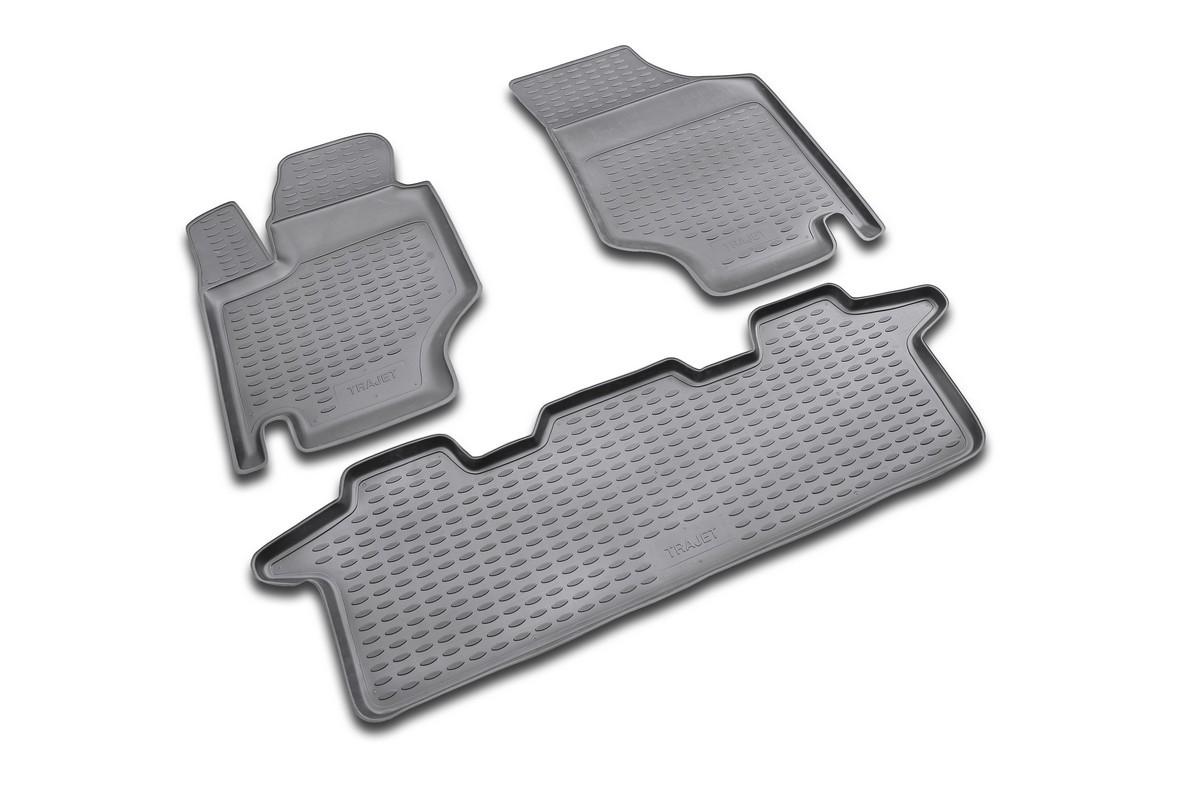 Набор автомобильных ковриков Novline-Autofamily для Hyundai Trajet 1999-2008 МКПП, в салон, 4 штNLC.20.13.230Набор автомобильных ковриков Novline-Autofamily, изготовленный из полиуретана, состоит из 4 ковриков, которые учитывают все особенности каждой модели автомобиля и полностью повторяют контуры пола. Полиуретановые автомобильные коврики для салона произведены из высококачественного материала, который держит форму, прочный и не пачкает обувь. Коврики в салон не только улучшат внешний вид салона вашего автомобиля, но и надежно уберегут его от пыли, грязи и сырости, а значит, защитят кузов от коррозии. Полиуретановые коврики для автомобиля гладкие, приятные и не пропускают влагу. Ковры для автомобилей надежно крепятся на полу и не скользят, что очень важно во время движения. Чистятся коврики очень просто: как при помощи автомобильного пылесоса, так и различными моющими средствами. Набор подходит для Hyundai Trajet МКПП 1999-2008 года выпуска.
