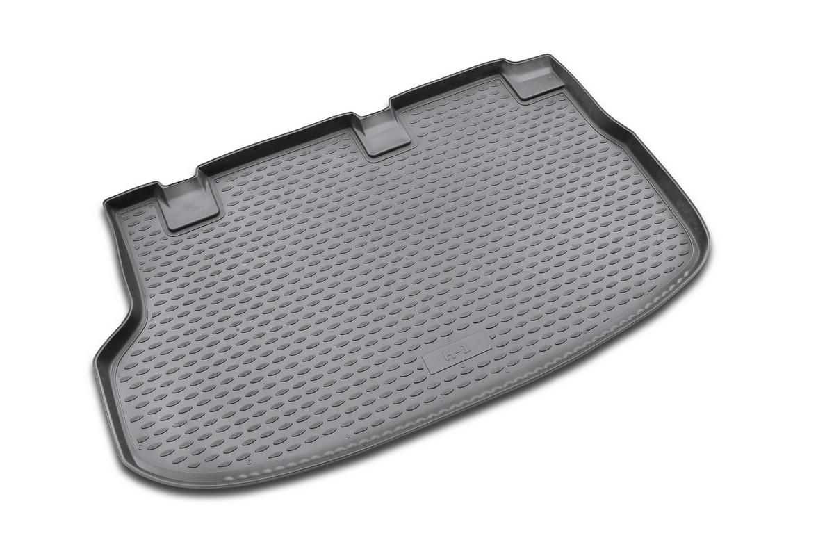 Коврик в багажник HYUNDAI New H-1 2007->, мв. (полиуретан)NLC.20.26.B17Автомобильный коврик в багажник позволит вам без особых усилий содержать в чистоте багажный отсек вашего авто и при этом перевозить в нем абсолютно любые грузы. Этот модельный коврик идеально подойдет по размерам багажнику вашего авто. Такой автомобильный коврик гарантированно защитит багажник вашего автомобиля от грязи, мусора и пыли, которые постоянно скапливаются в этом отсеке. А кроме того, поддон не пропускает влагу. Все это надолго убережет важную часть кузова от износа. Коврик в багажнике сильно упростит для вас уборку. Согласитесь, гораздо проще достать и почистить один коврик, нежели весь багажный отсек. Тем более, что поддон достаточно просто вынимается и вставляется обратно. Мыть коврик для багажника из полиуретана можно любыми чистящими средствами или просто водой. При этом много времени у вас уборка не отнимет, ведь полиуретан устойчив к загрязнениям. Если вам приходится перевозить в багажнике тяжелые грузы, за сохранность автоковрика можете не...