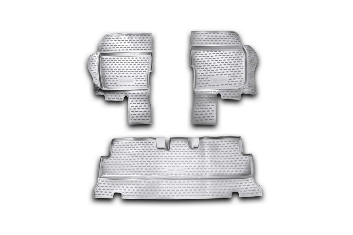 Коврики в салон автомобиля Novline-Autofamily для УАЗ Hunter, 2003 -, 3 штVT-1520(SR)Коврики Novline-Autofamily улучшат внешний вид салона автомобиля и надежно уберегут его от пыли, грязи и сырости, а значит, защитят кузов от коррозии. Полиуретановые коврики гладкие, приятные и не пропускает влагу. Полиуретановые автомобильные коврики произведены из высококачественного материала, который держит форму и не пачкает обувь. Коврики надежно крепятся на полу и не скользят, что очень важно во время движения, особенно для водителя. Изделия из полиуретана надежно удерживают грязь и влагу, при этом всегда выглядят довольно опрятно. И чистятся они очень просто: как при помощи автомобильного пылесоса, так и различными моющими средствами.